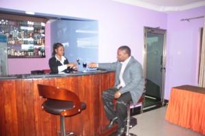 Wayside Hotel Arusha bar1